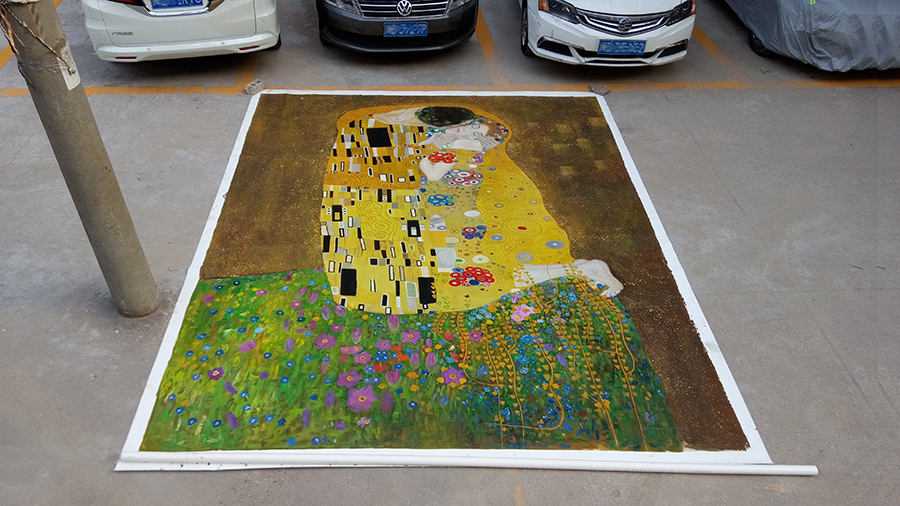 Very large Klimt painting of the Kiss